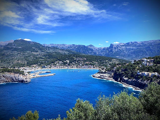 Mallorca Muntanya C/ Marina 7, Local B 07108 Port de Sóller. Wir sind immer erreichbar! info@mallorcamuntanya.com  &  (+34) 654 986171