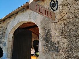 Wandern und Weinverkostung an der mallorquinischen Weinstrasse