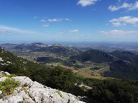 360º Grad – Inselpanorama. Private Wege auf der Alfàbia Bergkette von Orient nach Sóller