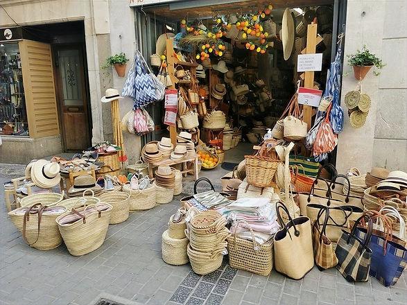 Unsere Shoppingtipps für dich in Sóller und Port de Sóller. Urlaubserinnerungen von Mallorca.