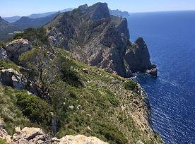 Schmugglerpfade zwischen Bergen und Küste um den berühmten Puig Roig
