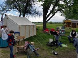 Campingsm.jpg