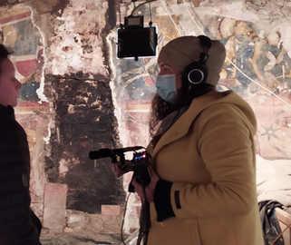 Prise de son dans le cadre du podcast Belvédère, qui valorise le territoire et le patrimoine isérois.  (c) Véronique Granger