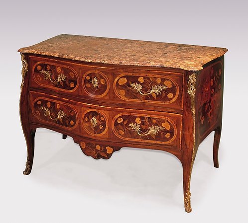 Mid-18th Century Portuguese Rosewood and Marquetry Serpentine Commode