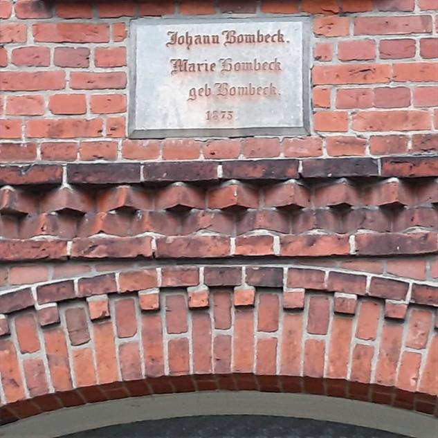 Der Gründungsstein des Baumbachhofs