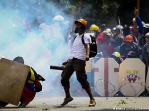 Cientos de poemas de dolor y una revolución desesperada: 30 de julio