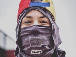 Cientos de poemas de dolor y una revolución desesperada: Neomar