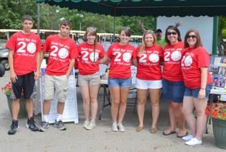 2014 Morning Volunteers - Jim Photo Bomb.JPG
