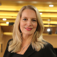 Cláudia Schwerz (PUC-SP)