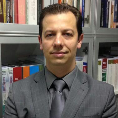 Luiz Antonio Ferrari Neto (PUC-SP)