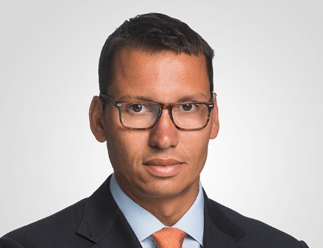 Joel de Menezes Niebuhr (PUCSP)