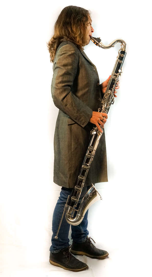 Karen Wimhurst Bass Clarinet Playing