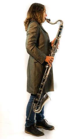 Karen Wimhurst Bass Clarinet Playing