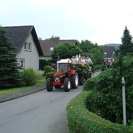 Dorffest 2003 Umzug im Bükerfeld