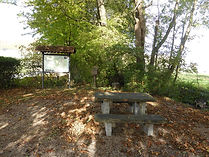 Dorfgemeinschaft Göstrup Sitzgruppe am Ehrenmal