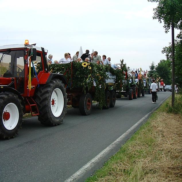 Dorffest 2003 Pause auf dem Rückweg