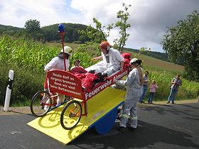 Dorfgemeinschaft Göstrup Bettenrennen Schikane