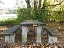 Dorfgemeinschaft Göstrup Sitzgruppe am Ehremal