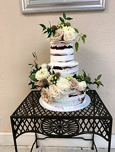 naked cake with fbric and burlap flowers