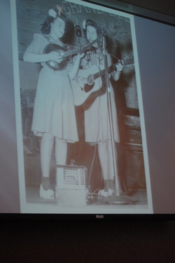 06 Poe Sisters On the Grand Ole Opry 1944-46