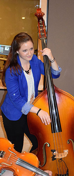 09-Jolie-Grace-Warham-on-Bass-Historic-Columbia-Studio-A