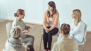 женщины дискуссионная группа