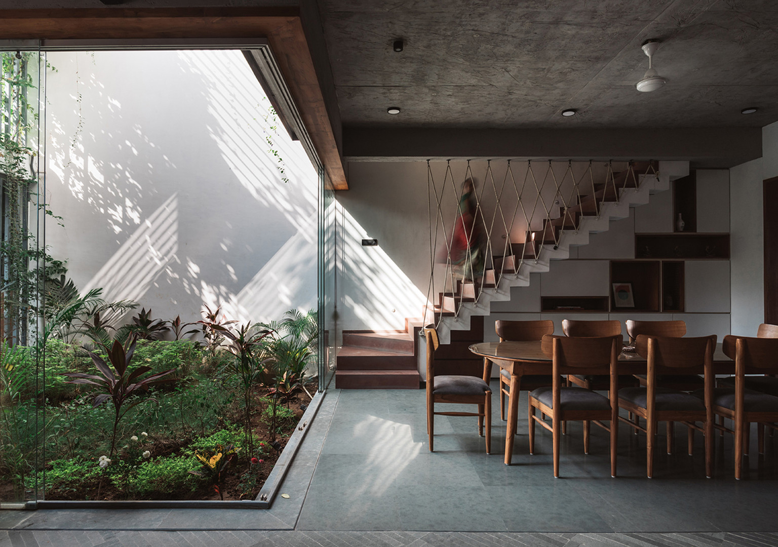 03 dining - courtyard.jpg