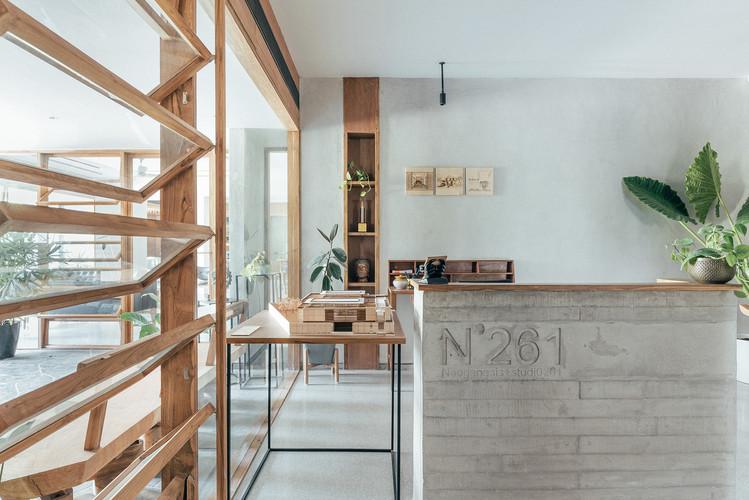 09 Reception- Architects office.jpg