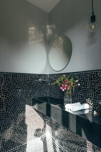 41 restroom.jpg