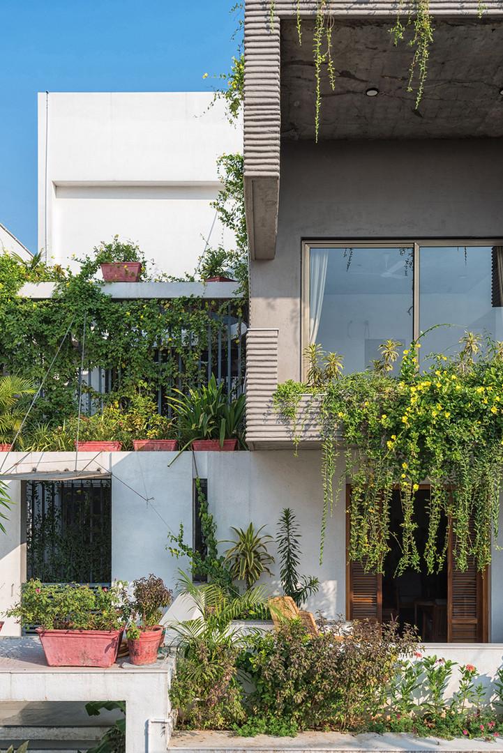 01 Exterior facade.jpg