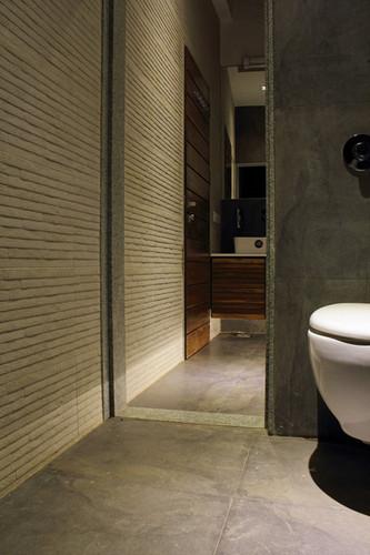 10 Toilet.jpg
