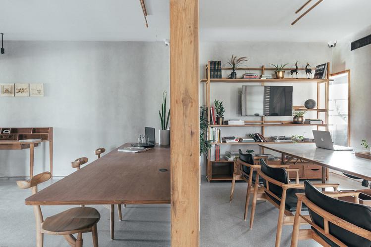 12 Reception-meeting room.jpg