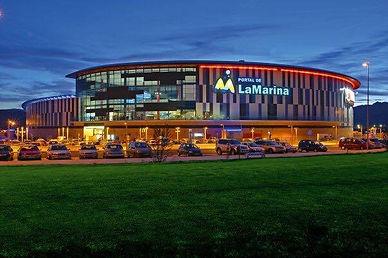 Shopping Center La Marina
