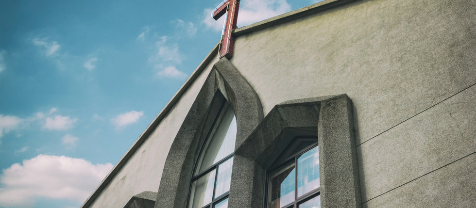 Sorry, aber zur Kirche müsstest du schon kommen.