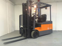 Toyota 7FBEF15 Electric Forklift