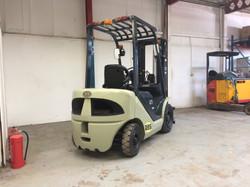 UN FD25T/JE Diesel Forklift