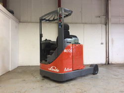 Linde R20-03 Electric Reach Truck