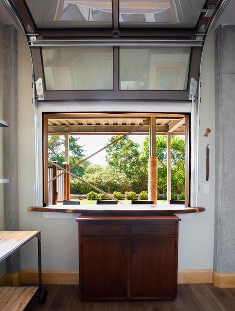 Real Estate Bar Indoor/Outdoor