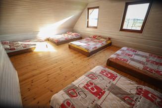 Pirmas miegamasis 10 miegamų vietų