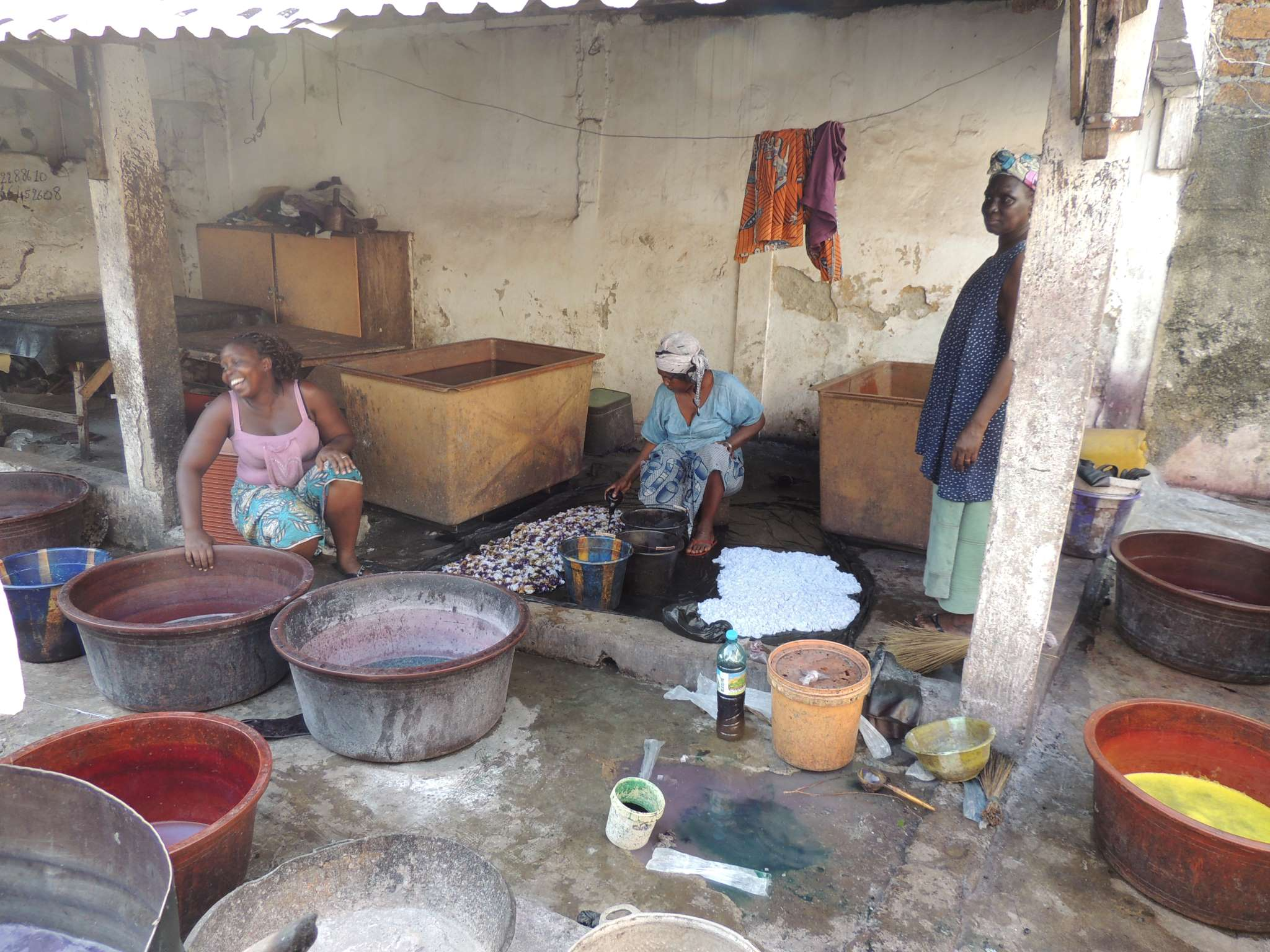Atelier de teinture à Conakry