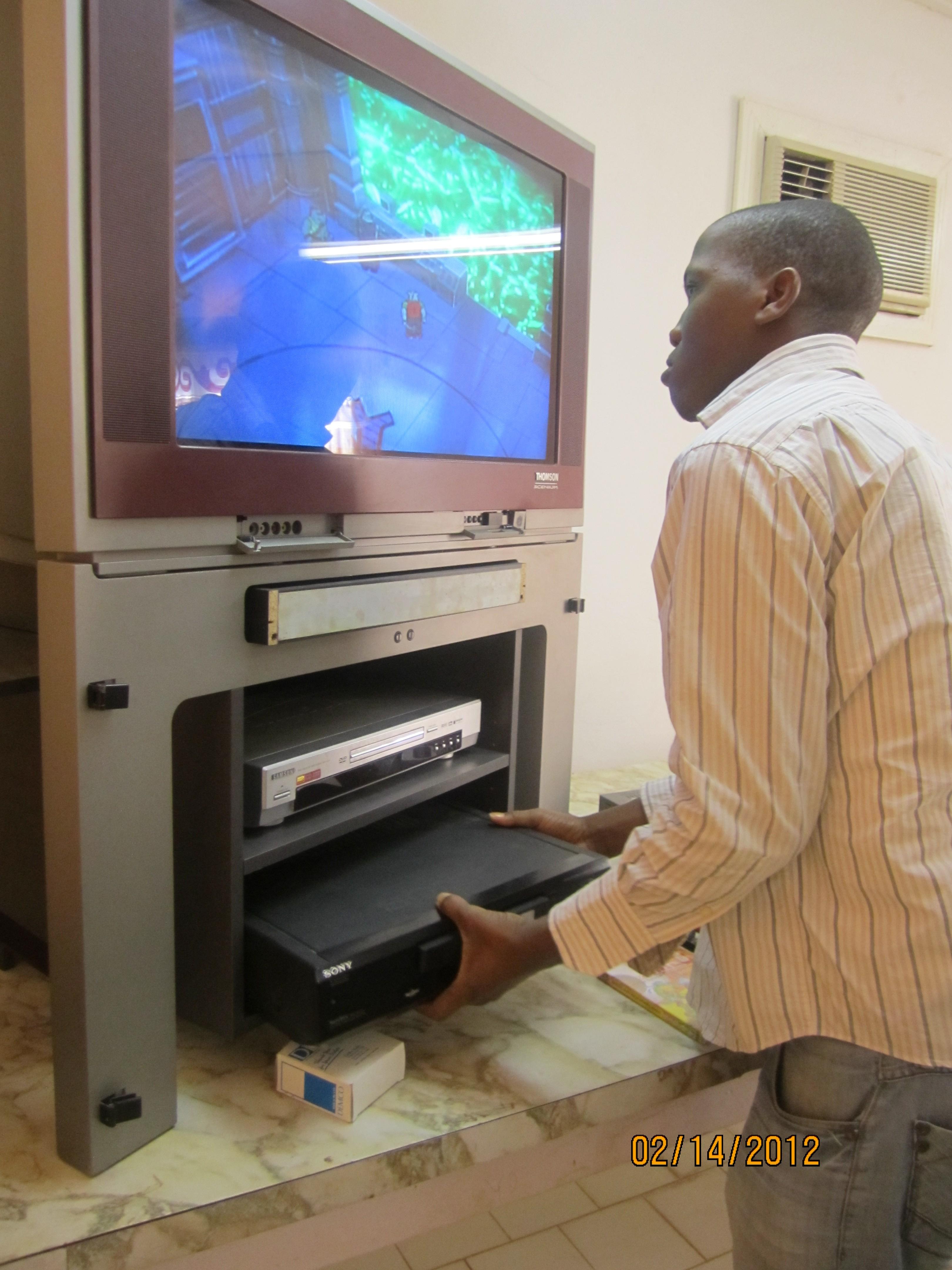 Don de téléviseur et lecteur DVD
