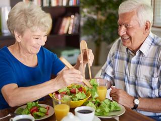 ADONAI PRIORIZA A NUTRIÇÃO NATERCEIRA IDADE