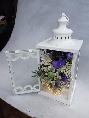 black-shed-wedding-table-decoration