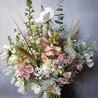 black shed wedding flowers