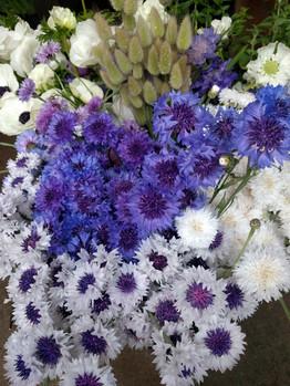 black-shed-diy-wedding-flowers.5.jpg