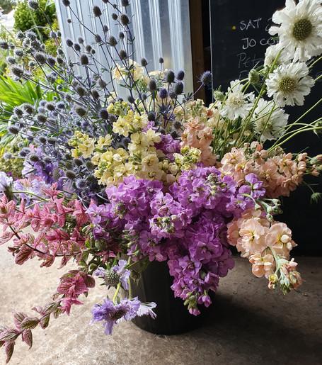 black-shed-diy-wedding-flowers.jpg
