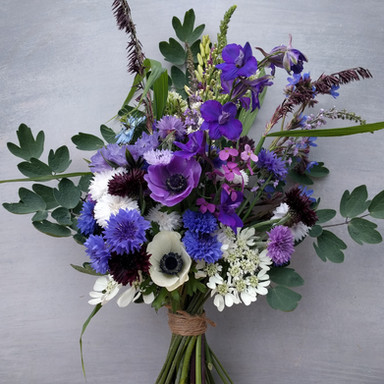 anemone-spring-bridal-bouquet-black-shed