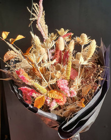 black-shed-dried-flower-bouquet-7.jpg