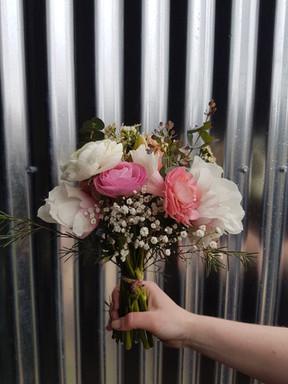 black-shed-ranunculus- wedding-bouquet