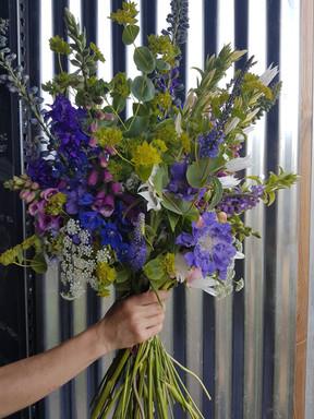 black-shed-bridal-bouquet